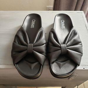 Black bow slides size 6